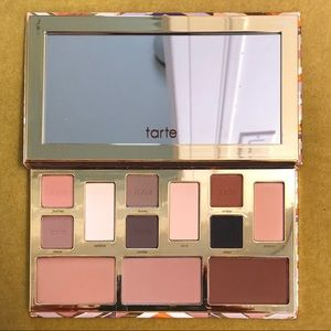 New Tarte Clay Play face shaping palette